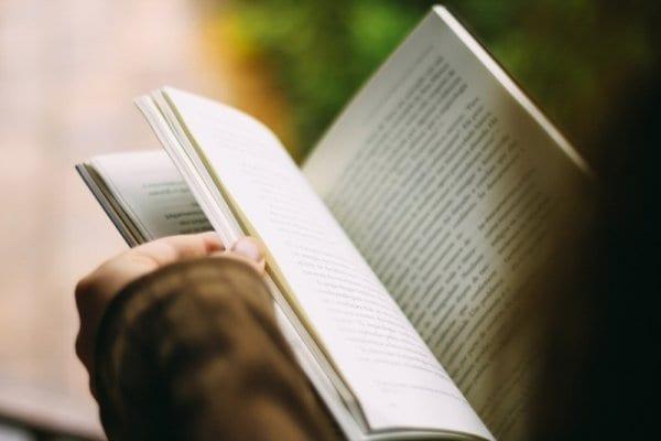 讓孩子從書本中提取資訊、經驗,形成自己的觀點