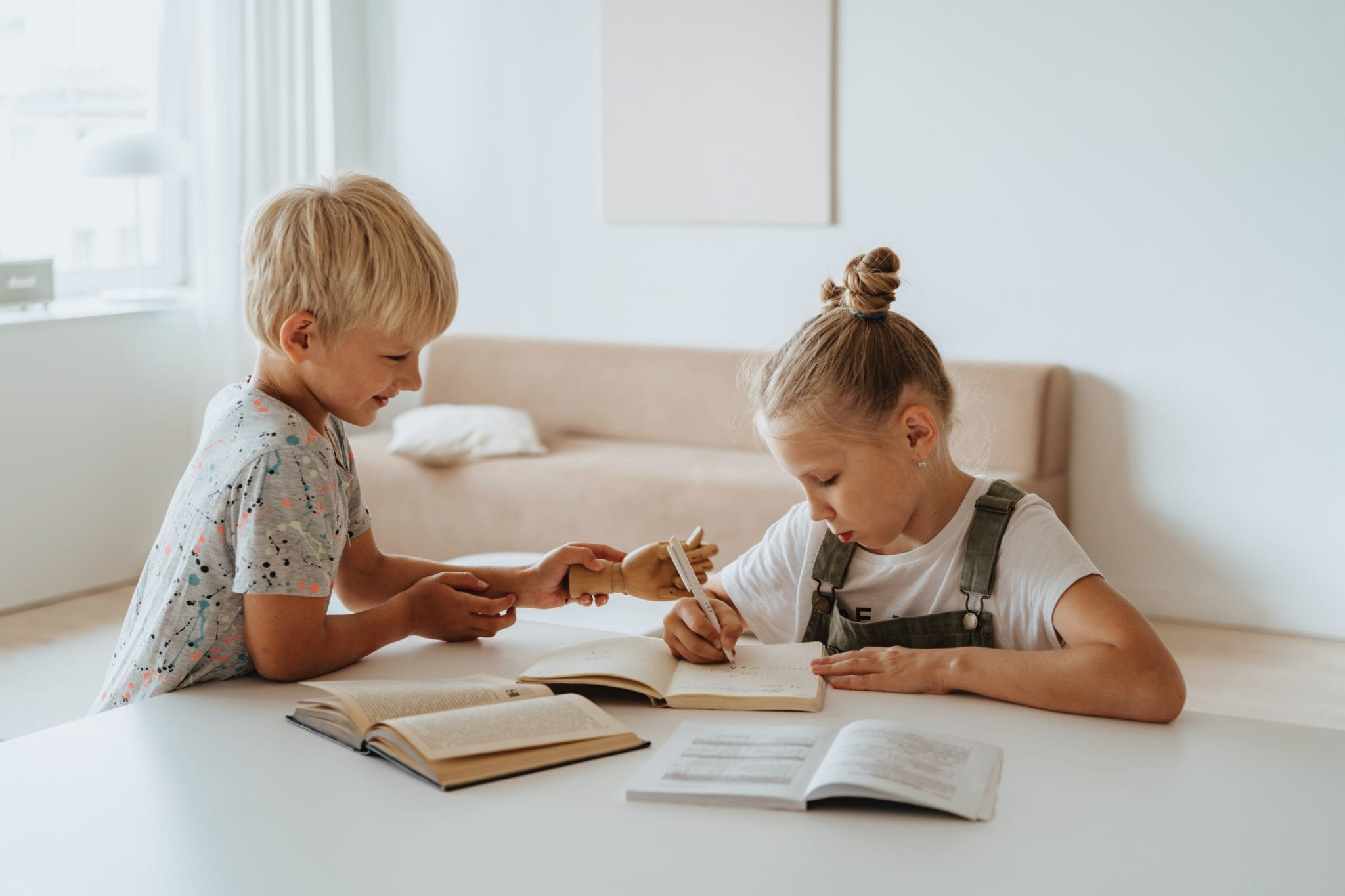 蒙特梭利觀點,降低大人與孩子衝突的「提醒四步驟」