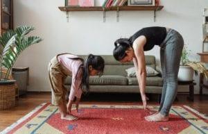 10個適合小朋友的室內團康遊戲,讓孩子在破冰遊戲中動腦吧!